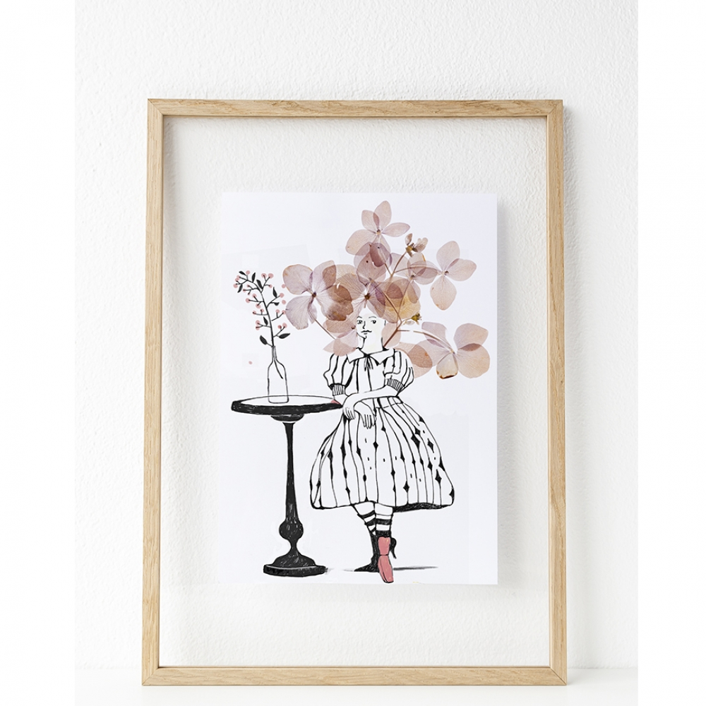 flowergirl_in_floating_frame